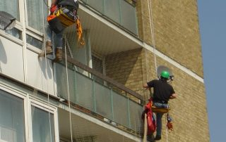 Applying Pigeon Netting to Residential Building